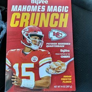 Hy-Vee Mahomes Magic Crunch 1box  Chiefs MVP